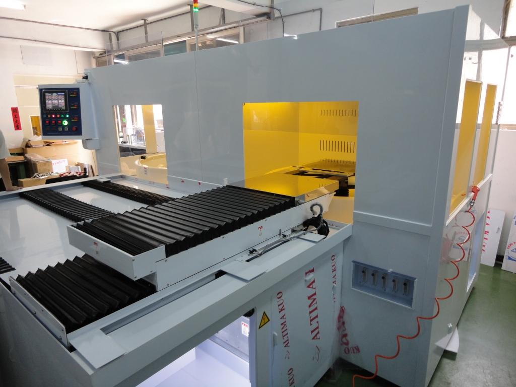 24x28-inch自動顯影蝕刻系統